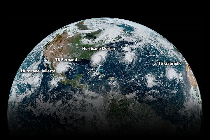 Los cuatro ciclones tropicales