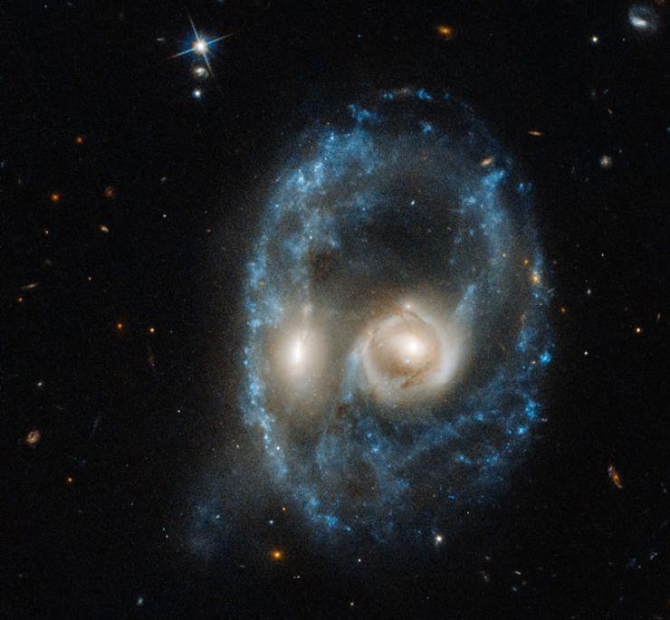 El Hubble Capta una Cara Cósmica