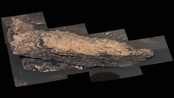 """Mosaico de imágenes de una roca llamada """"Strathdon"""""""